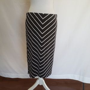 APT.9 pencil skirt. Size L
